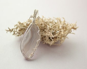 Sierra Madre Agate Men's Necklace, Lacey Translucent Agate, Wire-Wrapped in Silver Men's Jewelry Crystal Necklace