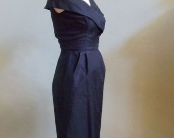 """Vintage 60's Joan Lee of New York Sleeveless Fitted Black Dress with Draped Oversized Collar Bust 34"""" Waist 24"""""""