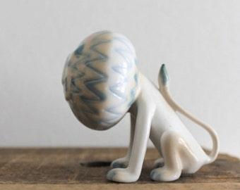 SALE/// Vintage lion figurine, mid century lion, porcelain figurine