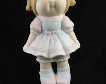 Cabbage Patch Porcelain Figurine Girl Hands at Side Green Pigtails 1984