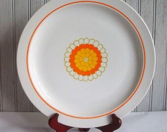 Vintage Mid Century Modern Georges Briard Chop Plate/Round Platter in the Florette Pattern
