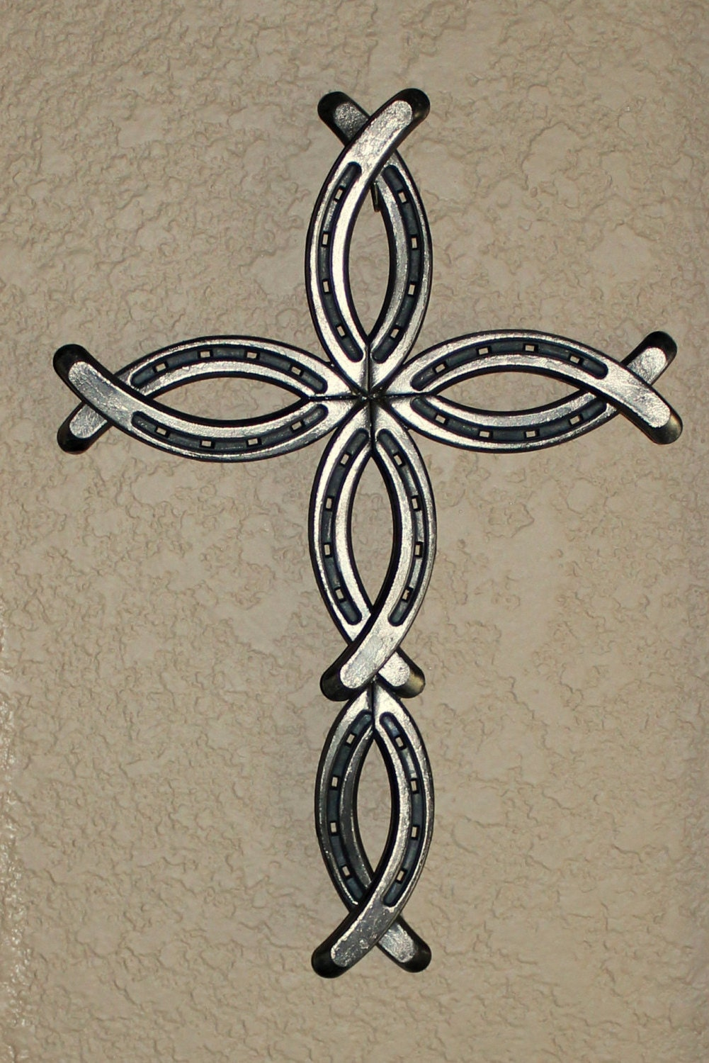 Horseshoe cross by bobbinsandpurls on etsy for Things you can make with horseshoes