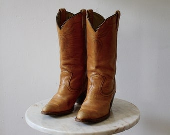 Cowboy Boots Leather Brown Light - Women's 6.5 - Canadian 1970s Vintage