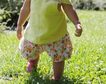 Baby bloomers, vintage old style. Romantic summer baby. 100% Italian cotton lawn. Summer garden print. Sizes 6m to 3T