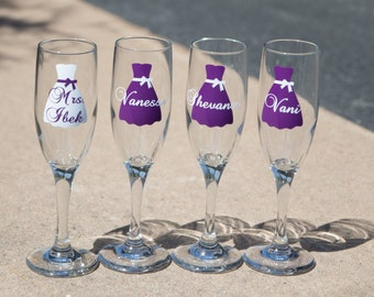 SALE champagne flutes. Bridesmaid glass, Maid of Honor gift glass, Matron of honor personalized dress glass. You pick quantity and colors