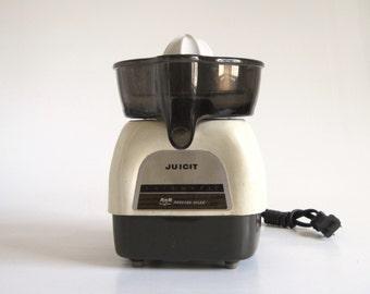 Proctor Silex Juicit Citrus Juicer J101W Vintage 1970s Small Appliance