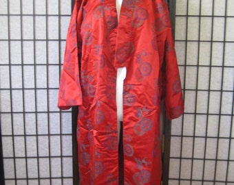 Vintage Kimono Robe in Red With Oriental Round Symbols Green Navy Blue Flowers Unisex M  L XL 46 Chinoiserie Motif