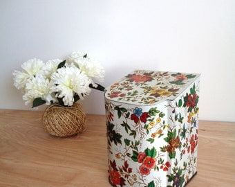 Vintage White Floral Tin Container Box - Made In England - Mid Century Trinket Collectible Tissue Box
