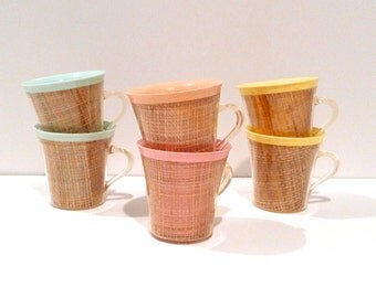 Insulated Cup Set of 6 Vintage Burlap Raffiaware Mugs 1960s Woven Straw Drinkware Pastel Plastic Melmac Kitchen Patio Picnic FREE US SHIP