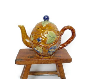 Vintage Majolica Tea Pot Blackberries Basketweave Woodland Victorian Era Reproduction