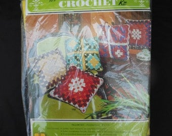 Jiffy Creative Crochet Pillow Kit Unused Aqua Yellow Green Yarn and Fabric for Pillow Cover