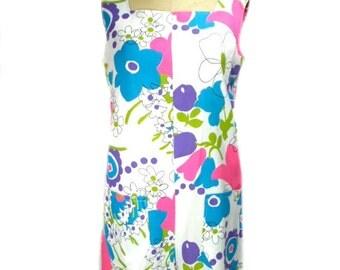 vintage 1960s floral romper / white floral / cotton / playsuit / handmade / 60s playsuit / onesie / women's vintage romper / size large