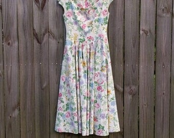 Vintage 70s 80s S M Small Medium Floral Print Romantic Sundress Garden Tea Party Sleeveless Boatneck Full Skirt Pastel Midi Dress