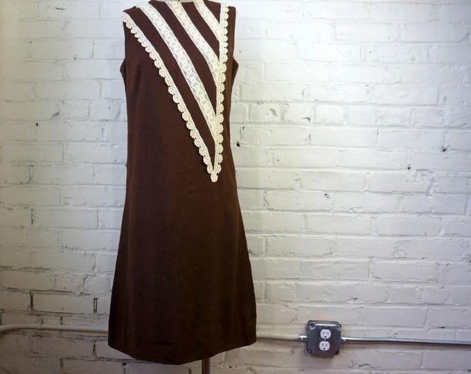 Brown Mod Lace Trim Shift Vintage 1960s Dress MEDIUM Crisp Suiting Sweet Detail Wear to Work Sleeveless High Collar Boho Cute Eloise Curtis