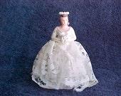 Vintage Chalk Bride Figurine - Plaster Of Paris Cake Topper -  Brown haired Bride in White Lace Dress - 1950s Wedding Decor - Chalkware
