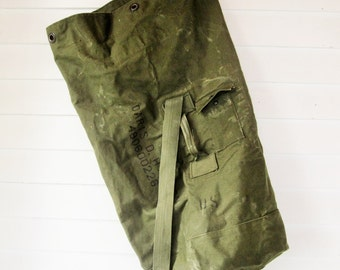 Army Duffel - Green Heavy Canvas Duffel Bag - Built-in Pocket - Hiking, Camping, Backpacking, Etc. - Two Straps - Vintage 1970s Duffel Bag