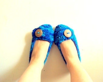 Crochet Slippers Soft and Comfortable Indoor Slippers with Buttons House Shoes  Handmade Crochet Slippers