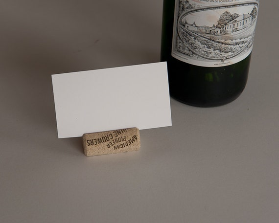 Wine cork place card 50 wine cork crafts by maxplanationphotos for Wine cork crafts guide
