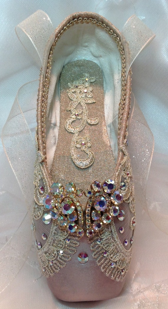 Raymonda themed decorated pointe shoe with vintage jewels for Ballet shoes decoration