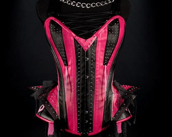 TWISTED SISTER Rock Corset, steel boned in rose red end black ecoleather, with studs and chains