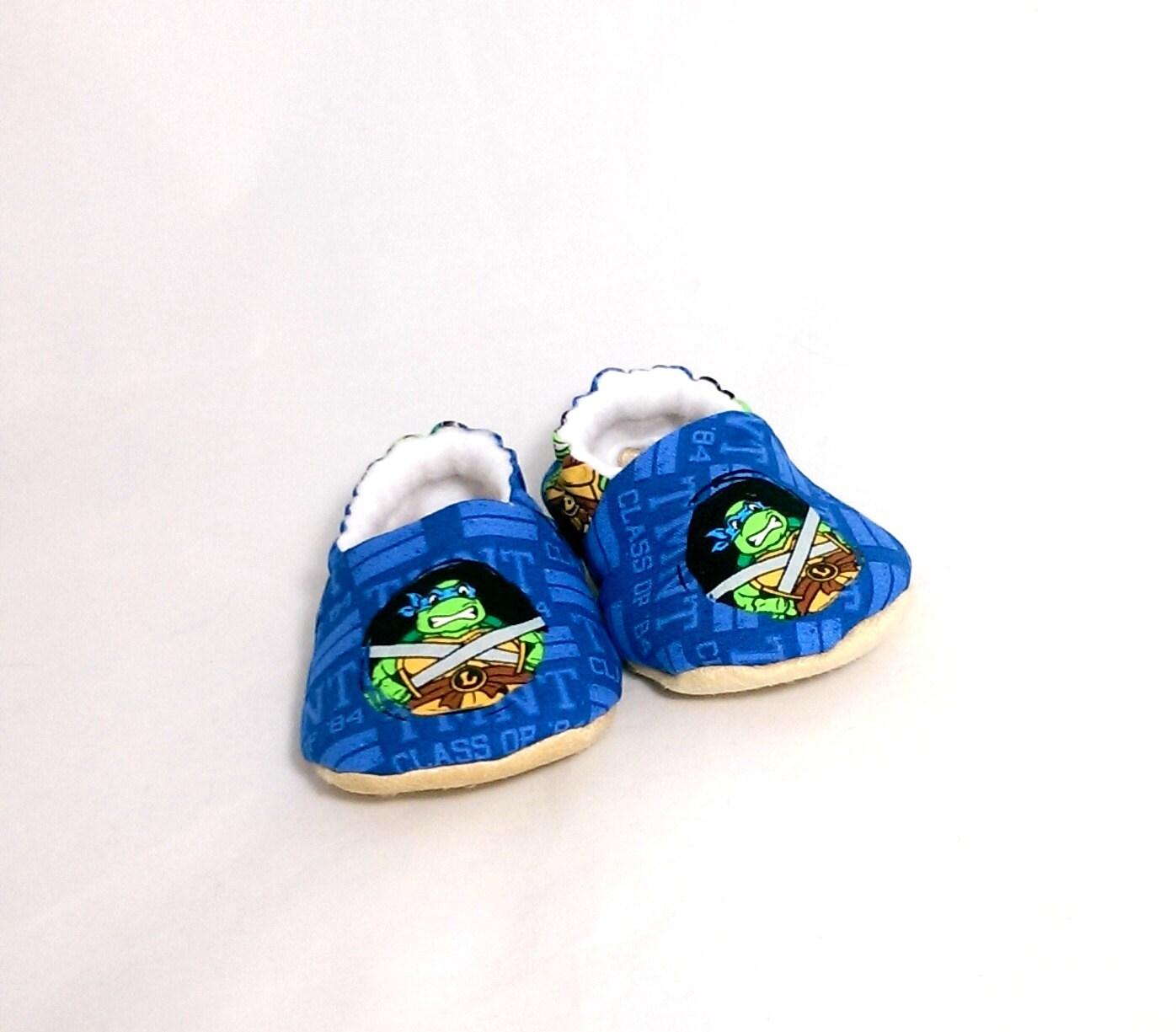 mutant turtles baby shoes by theknittingcheetara
