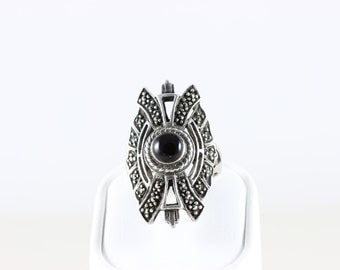 Sterling Silver Onyx and Marcasite Band Ring Size 6 1/4
