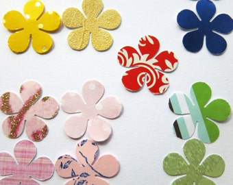 punched flowers / scrapbooking / cardmaking / mixed colour paper daisys / craft supplies / 100 daisy flowers assortment / uk seller