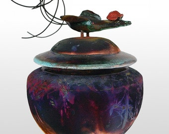 Urn for pets