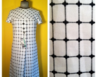 Vintage '60s black and white Shift Dress size XS / S