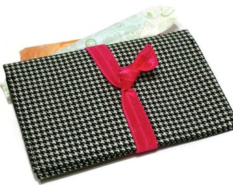 Tampon Holder / Houndstooth Feminine Product Case / Feminine Hygiene Wallet / Black White Tampon Bag / Women's Gift / Teen Privacy Case