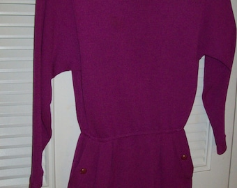 RESERVED FOR A Vintage St. John fushia magenta dress. Luscious color. Size 2