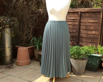 Vintage skirt, sunray pleats, UK 14 US10 EU42, skirt, aqua