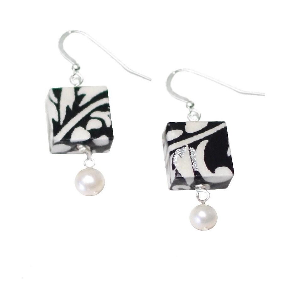 St anniversary moonlight pearl earrings