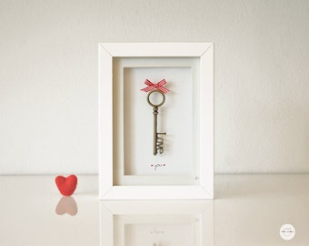 gift present best friend - love gift - wedding gift - Valentines day gift - Key Love bronze antique - frame and glass