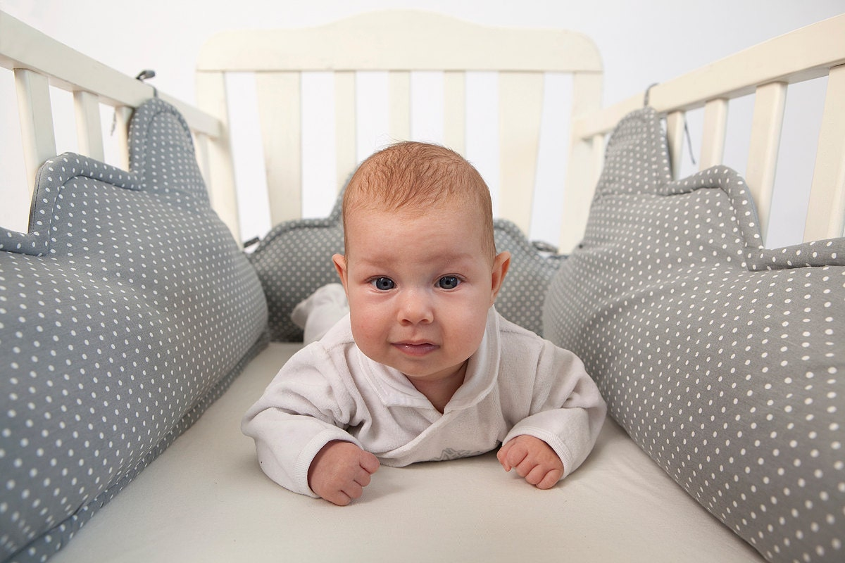 Baby bed and pillow -  Zoom