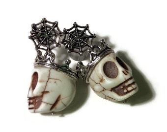 1/2 7/16 00g 0g 2g 4g or Stud Earrings 1 PAIR White Halloween Día de Muertos Day Of The Dead - Carved Howlite Sugar Skull Plugs