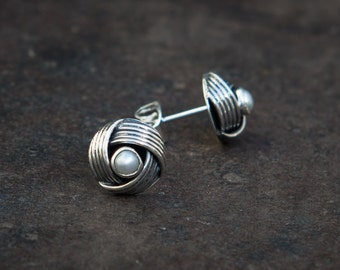 Freshwater Pearl and Sterling Silver Twist Earrings