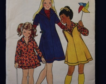 Sewing Pattern Butterick 416 for a Girl's Dress in Age 12