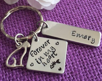 Pet Memorial Jewelry - Cat Memorial Keychain - Pet Loss Gift - Forever in my Heart, Personalized Cat Remembrance Keychain - Pet remembrance
