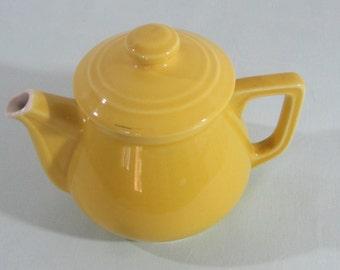 French vintage teapot, yellow teapot, 1950's kitchenware, ceramic teapot, bistro chic, 11/2pint capacity,