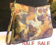 SALE Ladies Leather wristlet, metallic wristlet, Womens purse, Women wristlet, Leather purse, small bag, wristlet gold bag gold purse