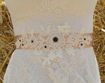 FLORA Style- Lace Wedding belt, Bridal lace belt, Wedding lace sash, Lace bridal belt, Ivory lace belt, Ivort sash