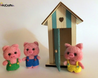 Three little pigs and their house