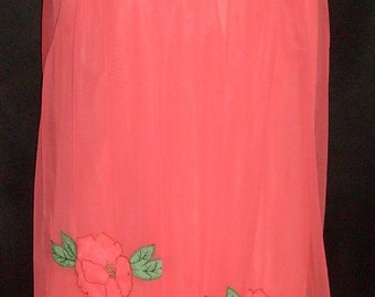 """Vintage 1950's Coral Applique Chiffon & Nylon Sleeveless Nightgown Gown 32-40"""" Bust"""