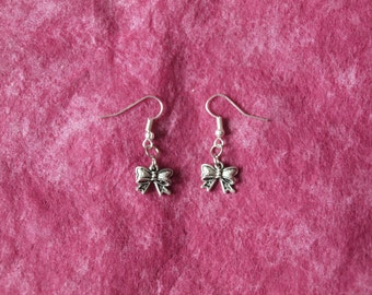 HoeBow Antique Style Bow Earrings - Tibetan Silver