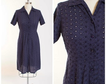 50s Vintage Day Dress Navy Blue Cotton Eyelet Lace Vintage 1950s Shirtwaist Dress with Cut Through Floral Lace Size Large