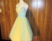 Stunning VANITY FAIR Color Block LINGERIE Nightgown