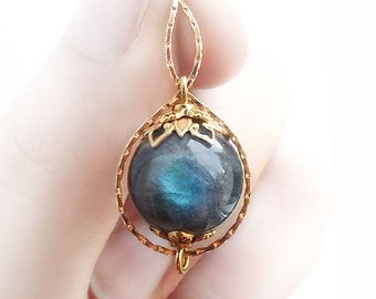 Labradorite necklace, 18K gold filled, infinity necklace, girlfriend gift, for her, gifts for women, gemstone necklace, labradorite jewelry