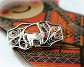 Sterling Llama Pin / Silver Filigree Peru