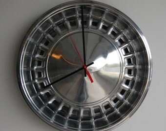 SALE*****1971 Plymouth Hubcap Clock